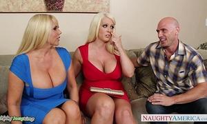 Busty alura jenson fuck in trio