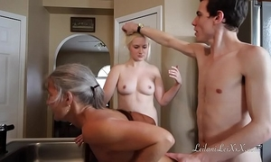 Freeze n shut up - a taboo family three-some