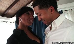 Ebony milf takes a jizz flow