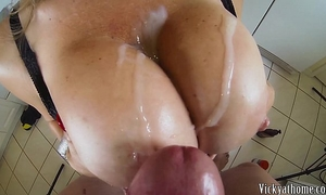 Big boobs overspread in cream!! hall of fame milf vicky vette!