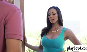 Big mounds milf kendra longing cookie rimmed