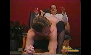 Kinky man acquires some hardcore thrashing from a bespectacled slag
