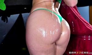 Brazzers - hot milf jessica ryan likes large jock