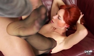 Shootourself hardcore redhead latex domme rock the wang of slim guy