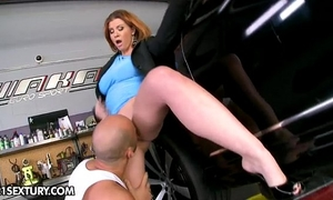 Sara stone acquires her car fixed