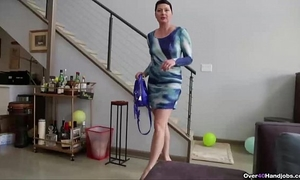 Over40-short-haired milf pov tugjob