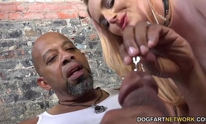 Harmoni kalifornia takes a large dark jock in front of a cuckold