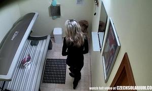 Blonde housewife caught is solarium