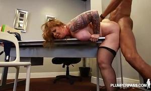 Redhead milf vayna loves to fuck large dark weenies