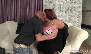 Fat gazoo black cock slut lynn eats cum