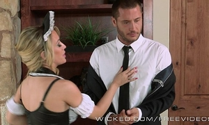 Sexy maid sucks shlong