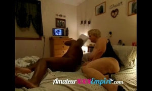 Black guy copulates cheating milf
