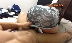 Sexy latin whore venezolana de buen culote en tanga sentones con chupada buenota