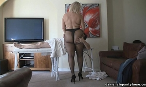 Pantyhose massage large booty woman in tights