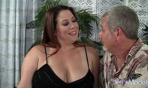 Chubby milf rubee receives her chunky wet crack filled