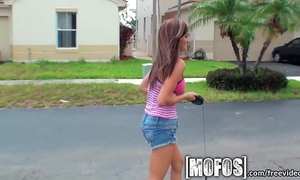 Mofos - kaylee quinn and her large mangos receive pounded