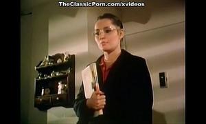 How to entice professor in classic porn clip