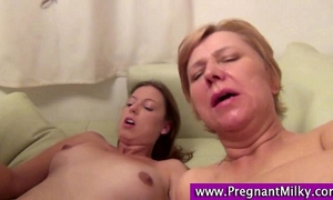 Preggo abdomen cummed on in threesome